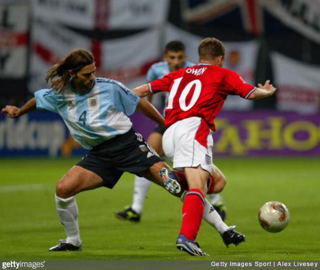 pochettino-owen-2002-world-cup