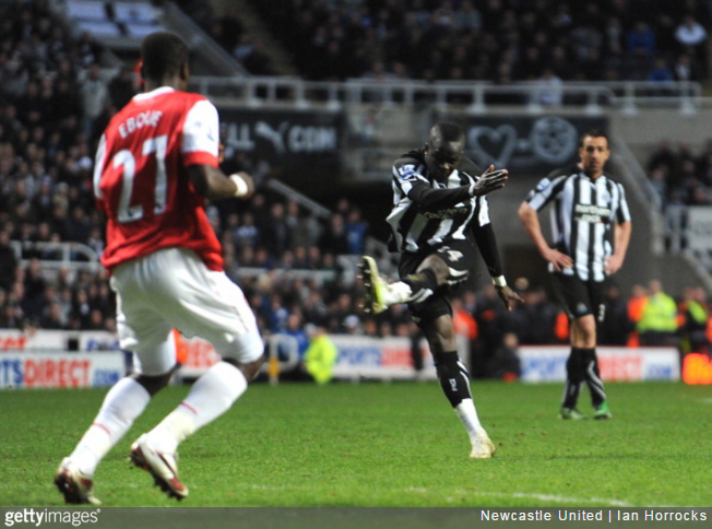 tiote-volley-arsenal-newcastle