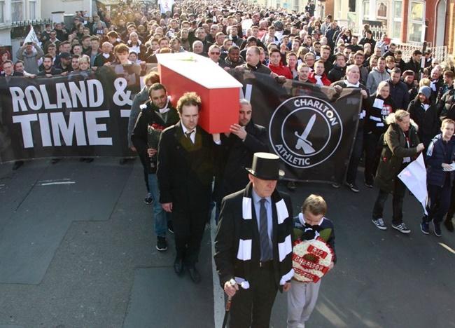 charlton-fans-funeral
