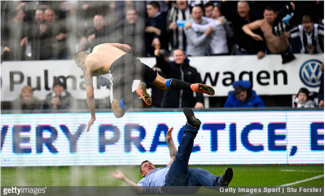 mitrovic-newcastle-fan