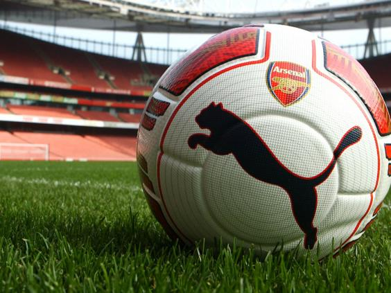 left-footed-ball-puma-arsenal