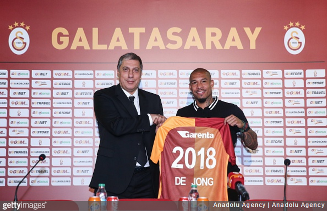 Nigel de Jong ends short stint with Galaxy to join Galatasaray