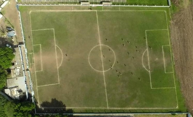 liniers-football-pitch-wonky
