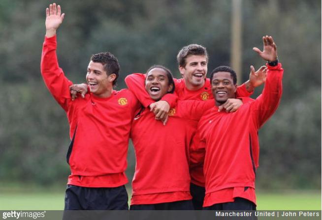 pique-manchester-united-team
