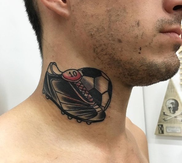 perotti-neck-tattoo-roma