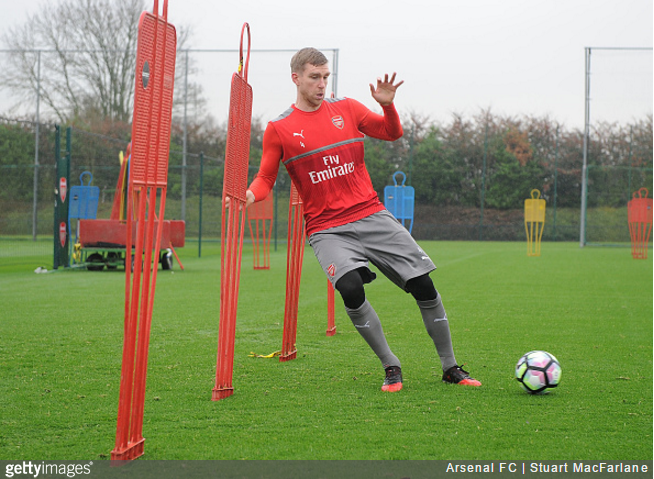 mertesacker-arsenal-training