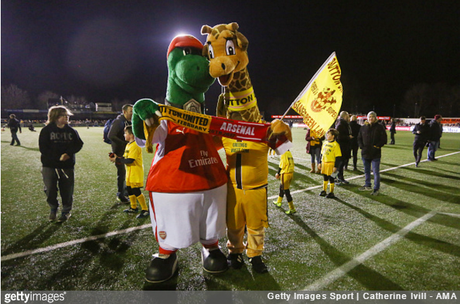 arsenal-sutton-mascots