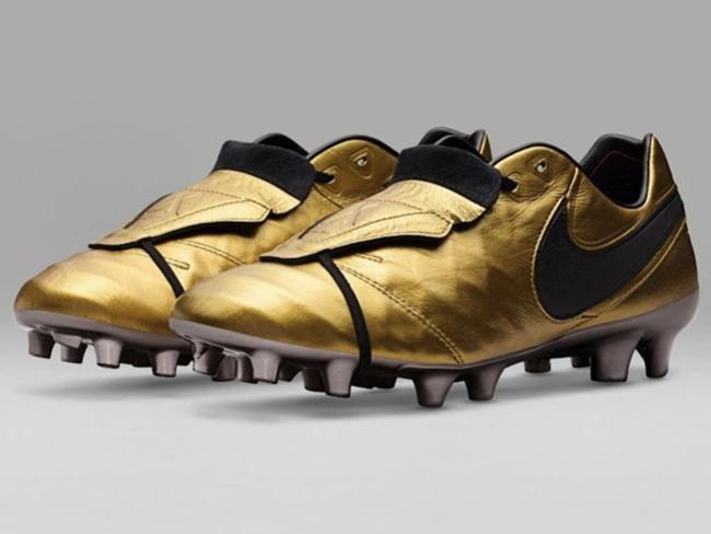 roma-totti-nike-tiempo-boots2