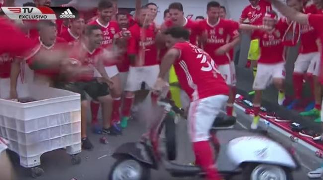 eliseu-moped-benfica