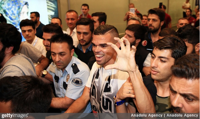 pepe-besiktas-airport