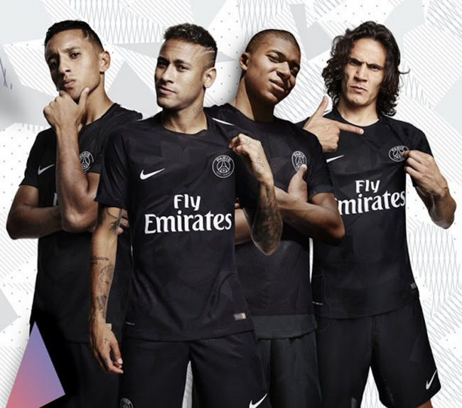 Which looks an awful lot like Galatasaray's new third kit…