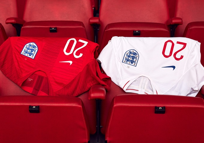 Nike release new england home and away kits for 2018 world for New england kit homes
