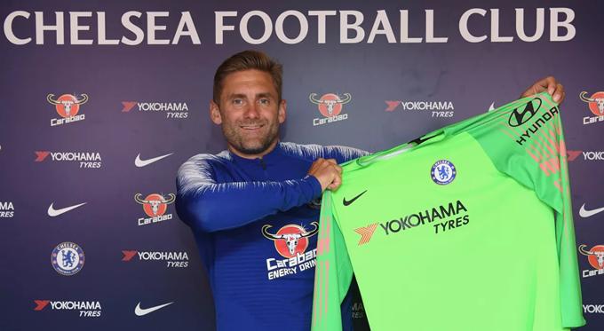 Former Norwich City goalkeeper Robert Green joins Chelsea