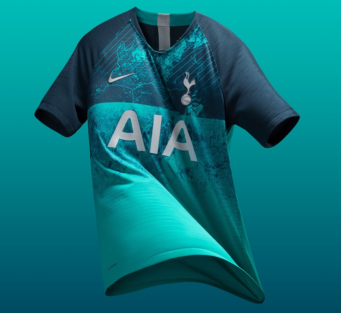 191c33ed378 After being thoroughly impressed by their unforgivably half-arsed cut+paste  job on Tottenham s new away kit